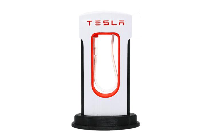 Tesla planeja produzir carregadores de carros elétricos na China