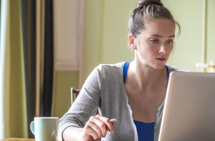9 maneiras de ganhar dinheiro sem sair de casa